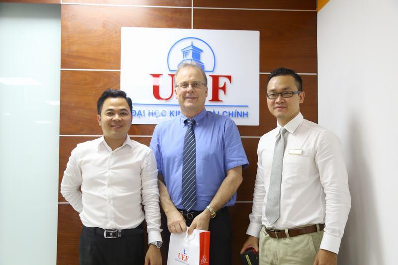 UEF giao lưu, trao đổi giảng viên quốc tế 10
